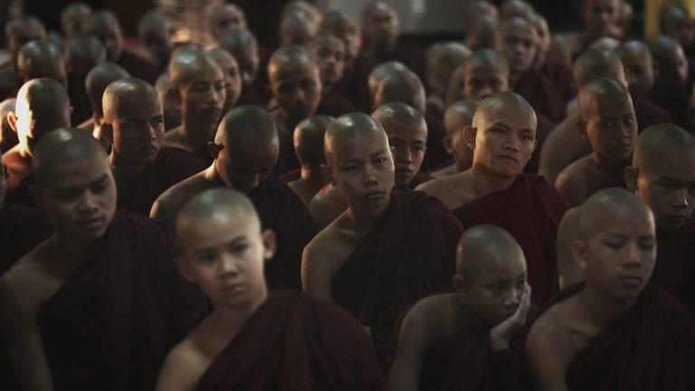 Birmanie le pouvoir des moines Joël Curtz
